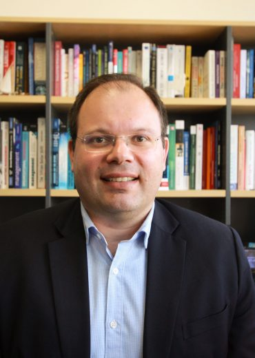 Dr Dimitrios Salampasis, MAICD, SA FIN
